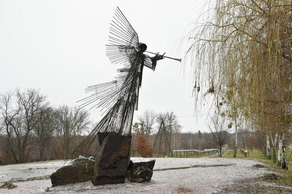 Monumento al ángel del Apocalipsis en Chernóbil - Sputnik Mundo