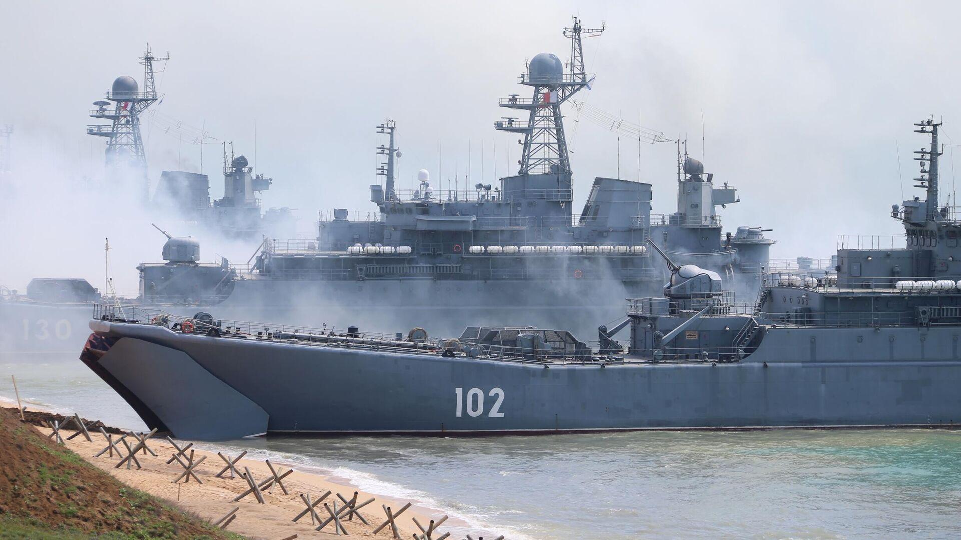 Buques de la Flota del Mar Negro en Crimea - Sputnik Mundo, 1920, 25.04.2021