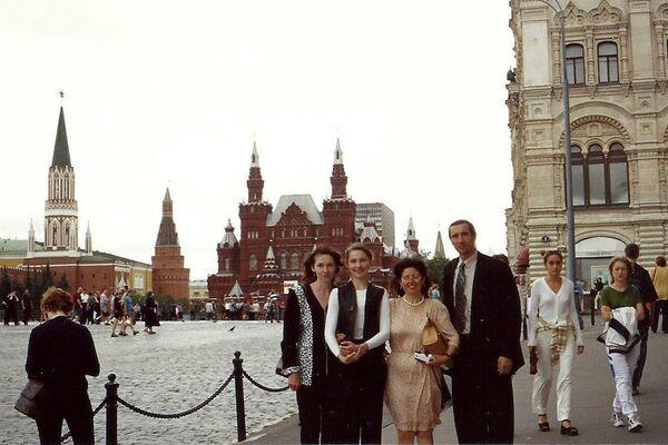 Mercedes Gil Rodrígez, vicepresidenta de la Asociación Ledicia Cativa, en Moscú durante su viaje a Rusia - Sputnik Mundo