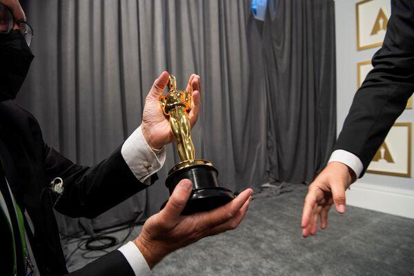 Entre bambalinas en la 93 ceremonia de entrega de los Óscar. - Sputnik Mundo
