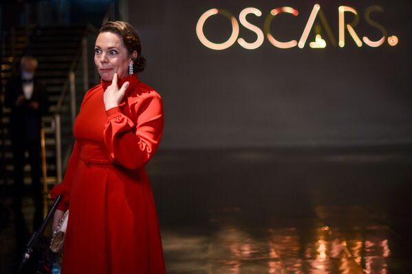 Olivia Colman, nominada al Óscar a la mejor actriz de reparto, participó de la ceremonia de los Óscar desde Londres. - Sputnik Mundo
