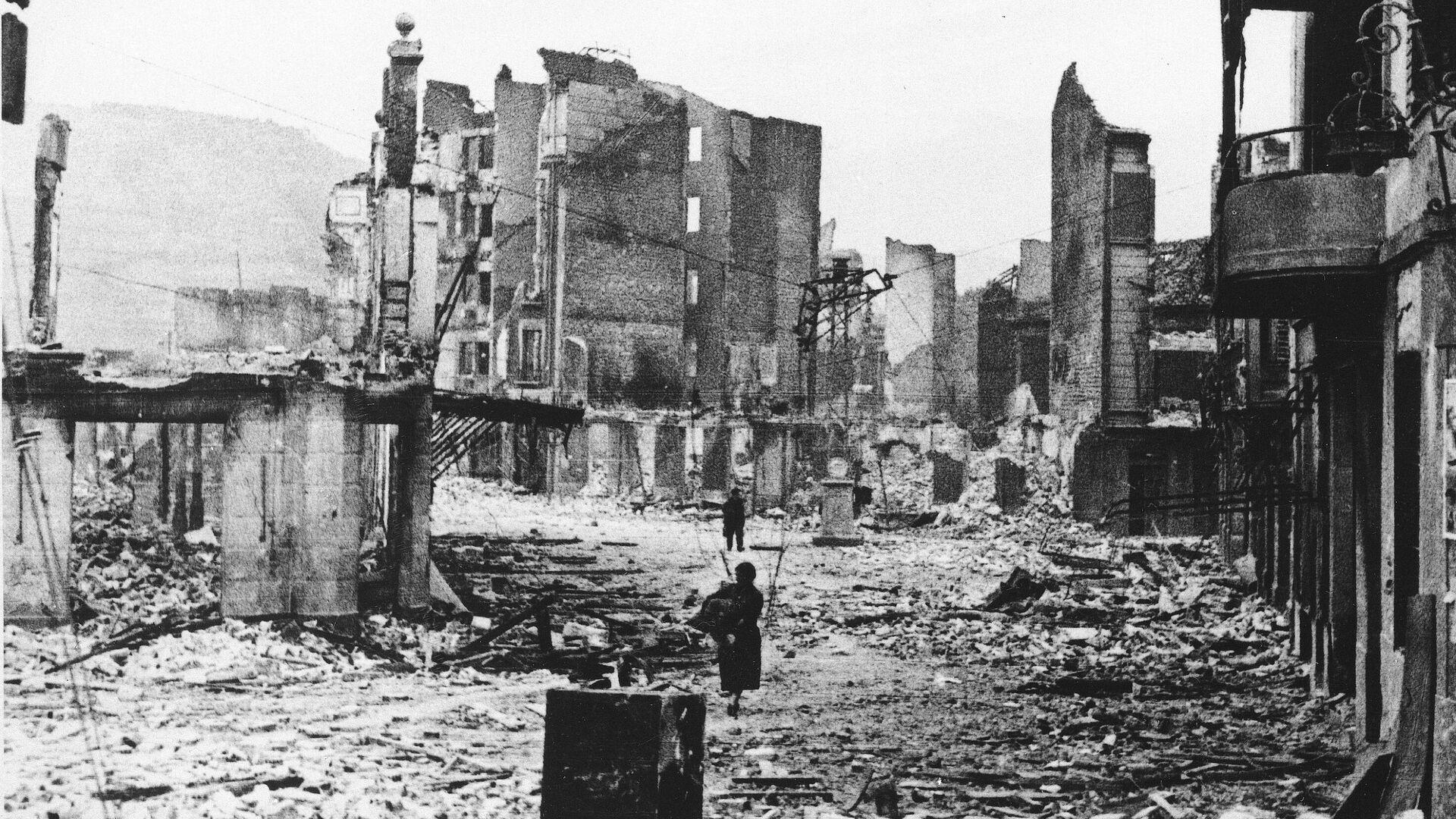 La ciudad de Guernica, tras el bombardeo - Sputnik Mundo, 1920, 26.04.2021