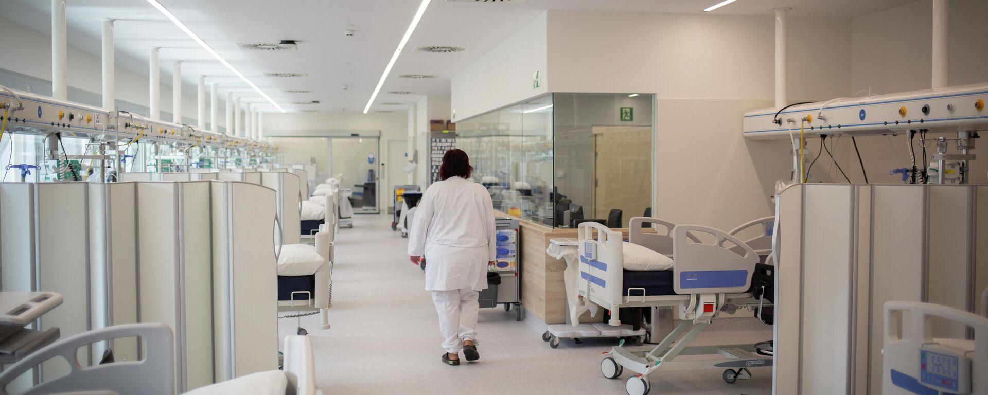 Hospital en España durante brote de coronavirus - Sputnik Mundo, 1920, 13.07.2021