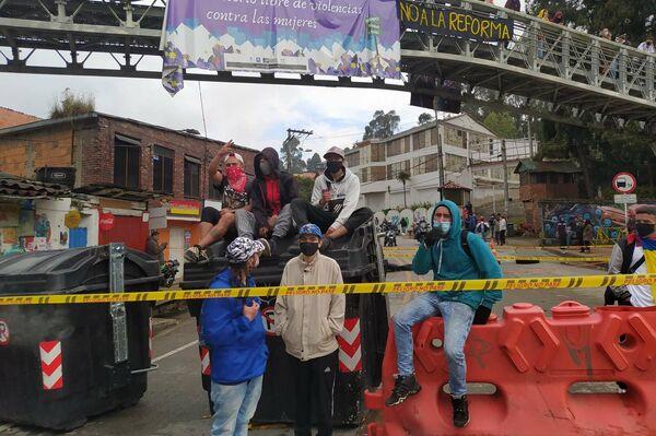 Bloqueo en Chapinero, localidad de Bogotá - Sputnik Mundo