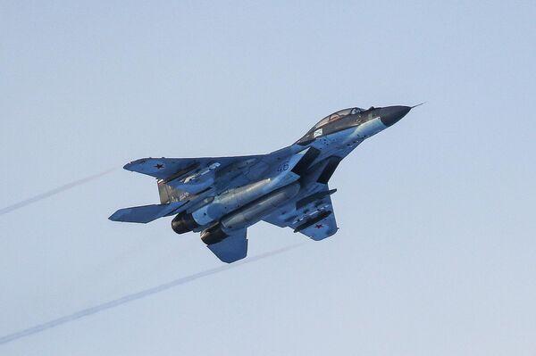 Un MiG-29K embarcado de la Armada rusa - Sputnik Mundo