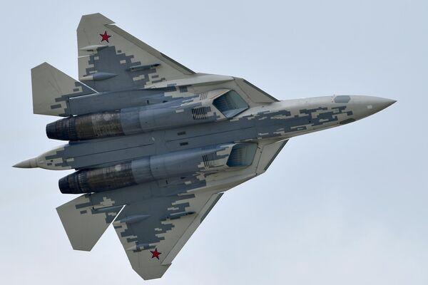 Un caza Su-57 de las Fuerzas Aeroespaciales de Rusia - Sputnik Mundo