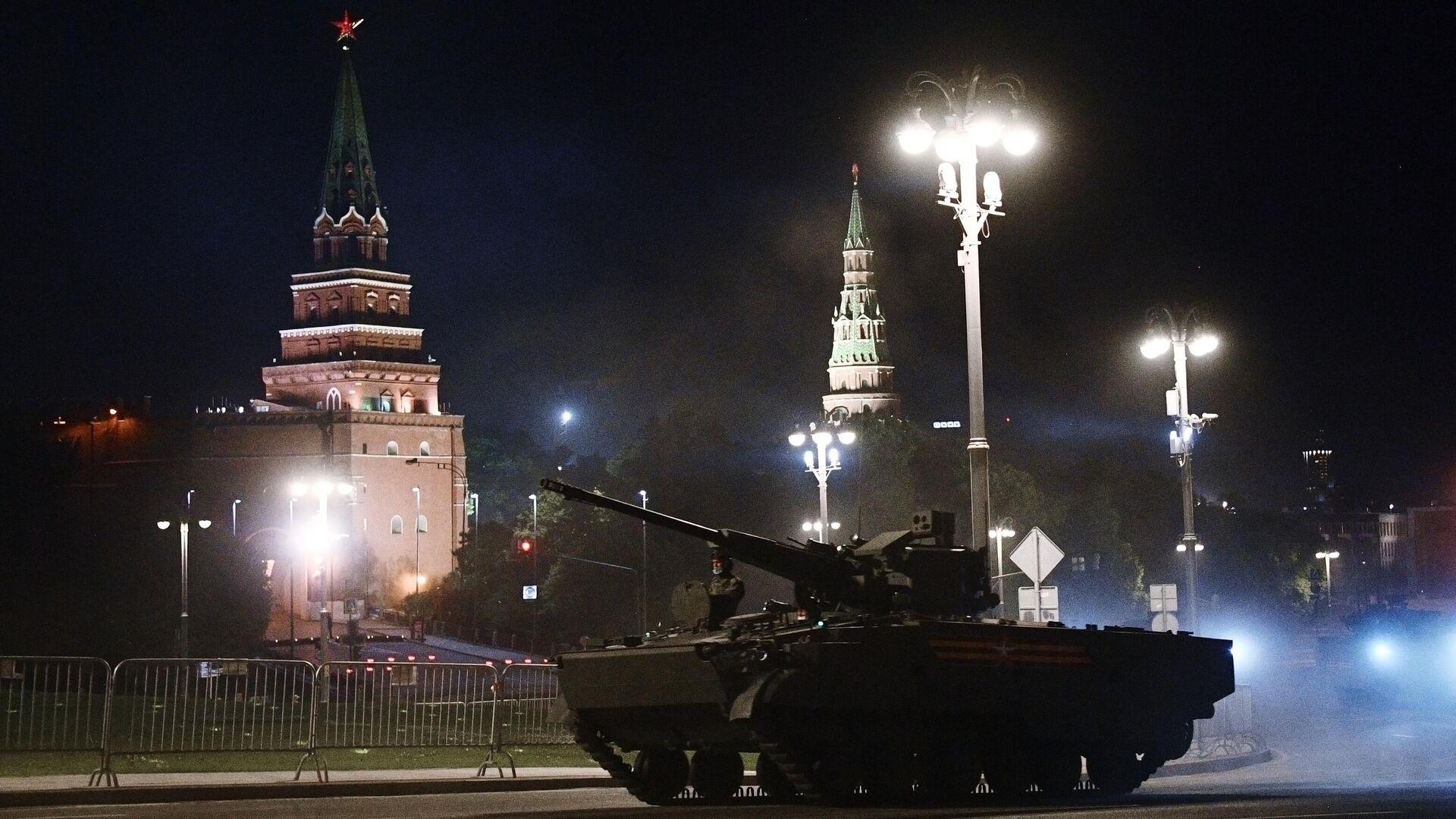 El ensayo nocturno del Desfile de la Victoria, Moscú, el 17 de junio del 2020 - Sputnik Mundo, 1920, 29.04.2021
