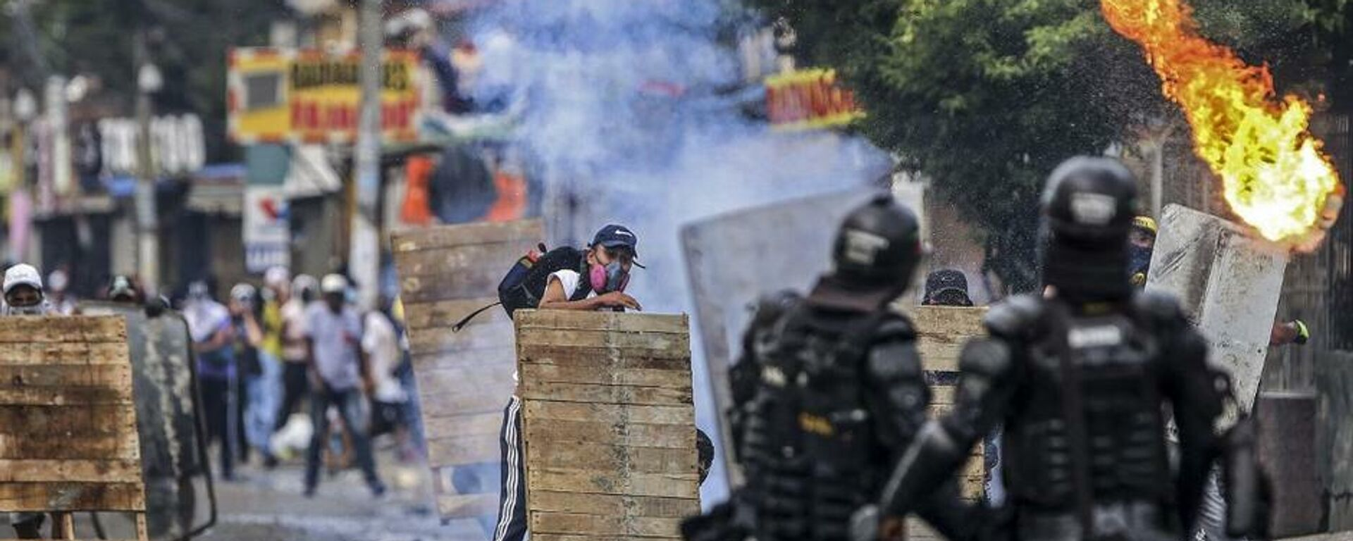 Disturbios contra la reforma tributaria en Cali (Colombia), el 29 de abril del 2021 - Sputnik Mundo, 1920, 30.05.2021