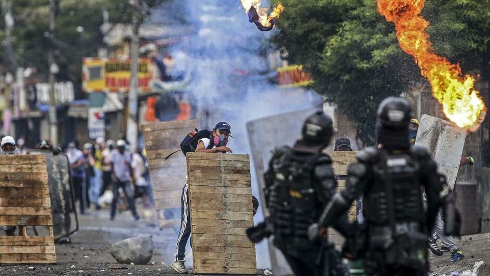 Disturbios contra la reforma tributaria en Cali (Colombia), el 29 de abril del 2021 - Sputnik Mundo, 1920, 30.04.2021