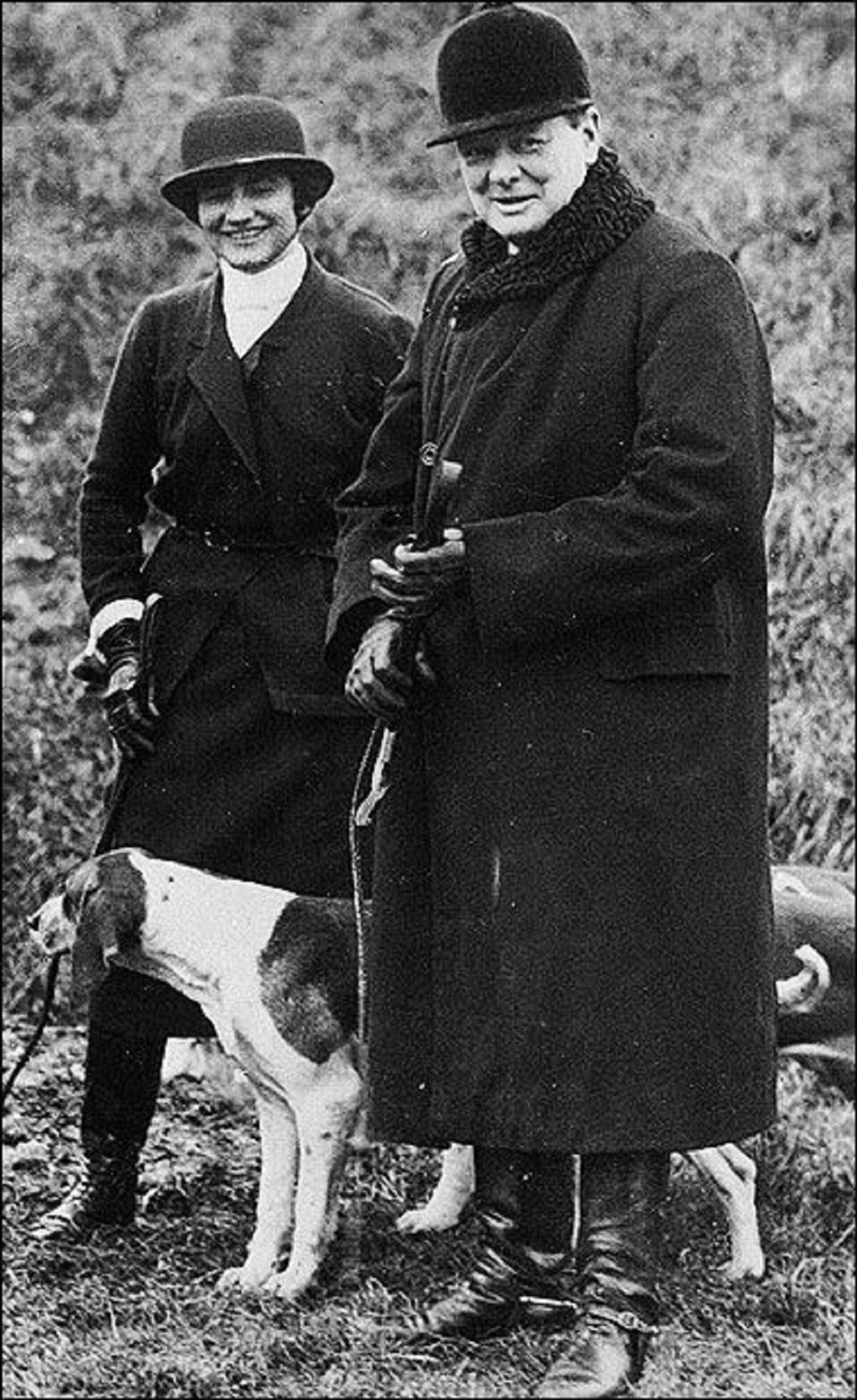 La modista francesa Coco Chanel y el primer ministro del Reino Unido, Winston Churchill, en la década de 1920 - Sputnik Mundo, 1920, 05.05.2021