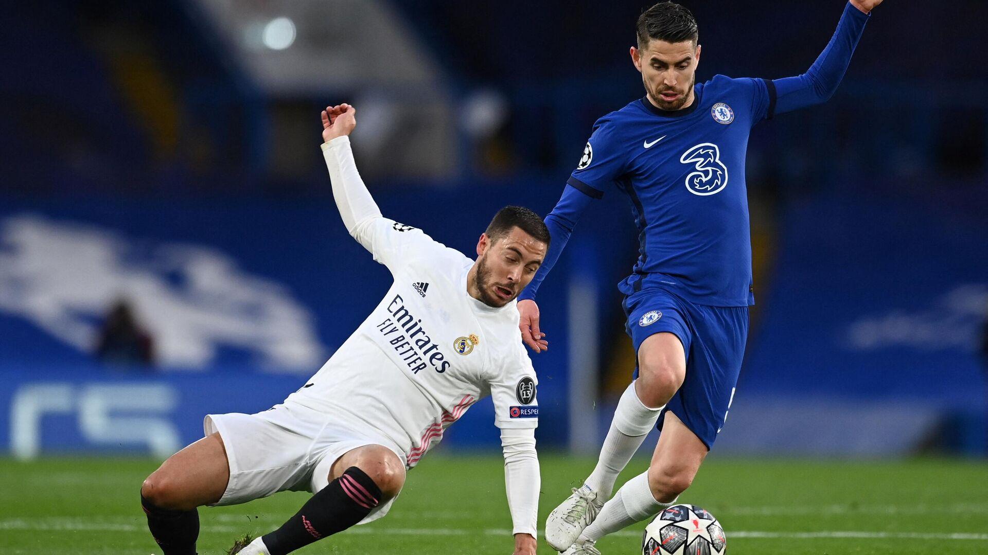 Eden Hazard (Real Madrid) frente a Jorginho (Chelsea) en las semifinales de la Liga de Campeones - Sputnik Mundo, 1920, 06.05.2021