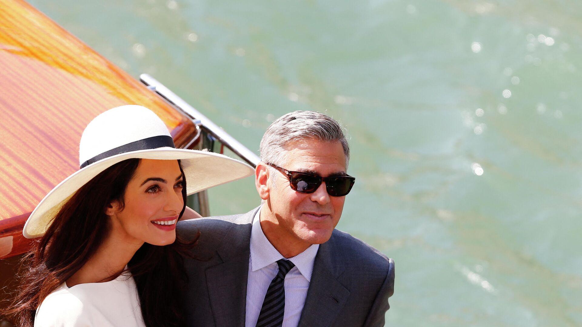 George Clooney junto a Amal en Venecia, el día de su boda civil - Sputnik Mundo, 1920, 06.05.2021