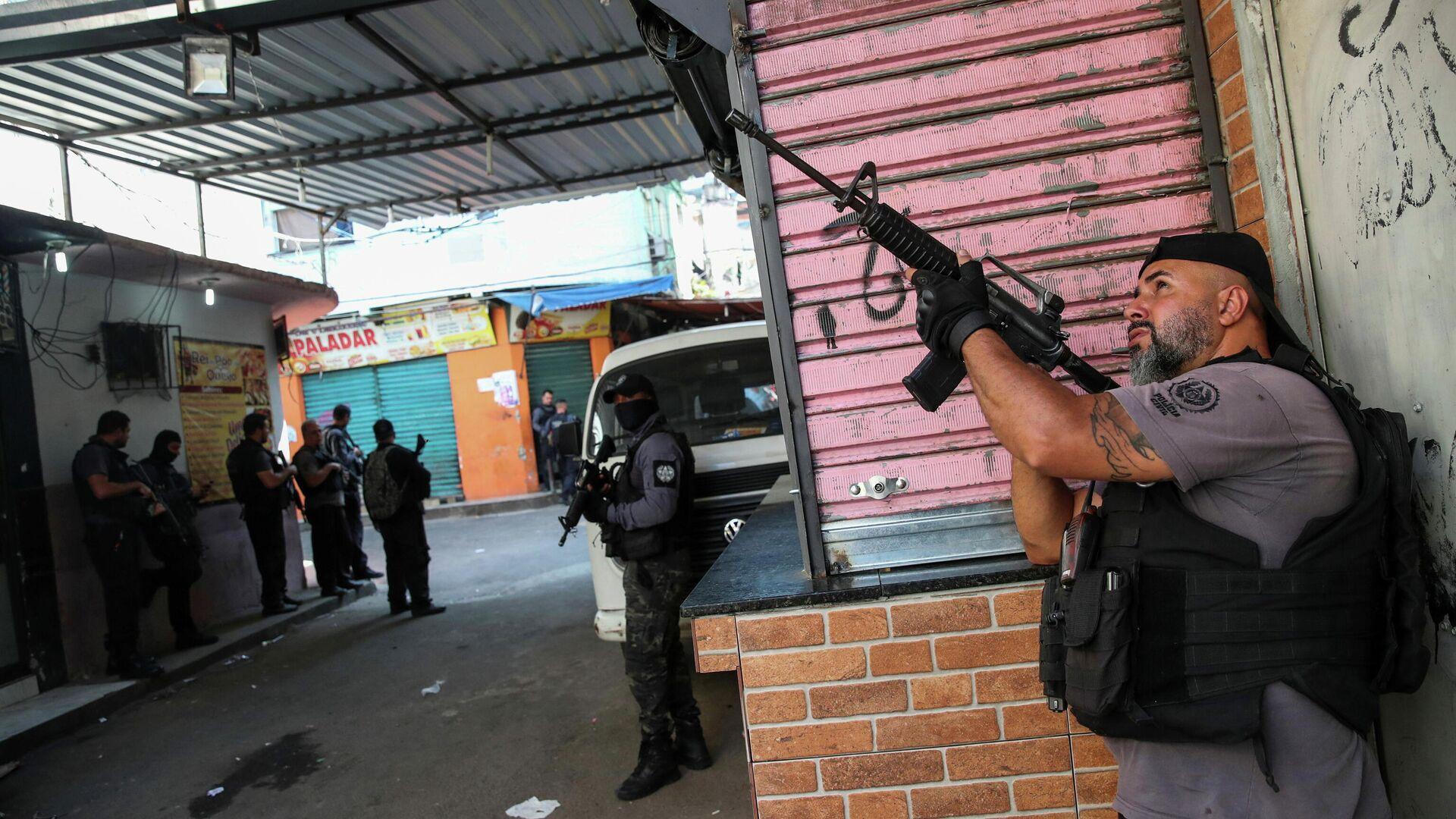 Policía de Río en favela - Sputnik Mundo, 1920, 06.05.2021