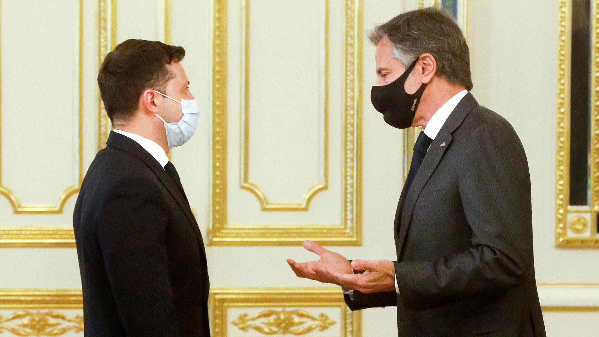 El Presidente de Ucrania, Volodímir Zelenski y el secretario de Estado de EEUU, Antony Blinken - Sputnik Mundo, 1920, 07.05.2021