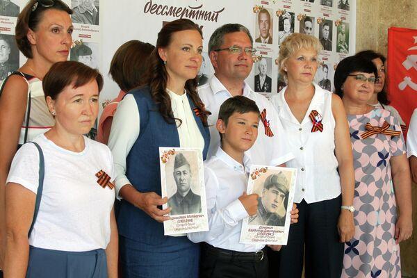 Rusos en Cuba recuerdan al Regimiento Inmortal en La Habana - Sputnik Mundo