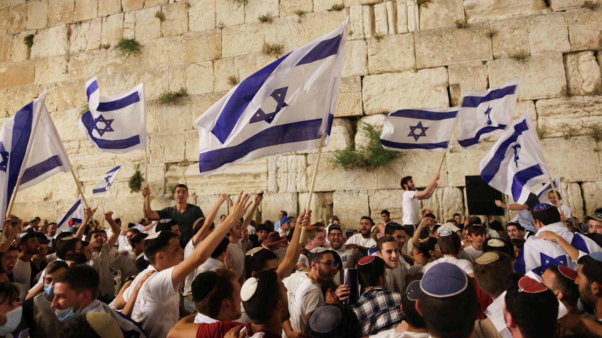 Banderas de Israel en una marcha - Sputnik Mundo, 1920, 10.05.2021