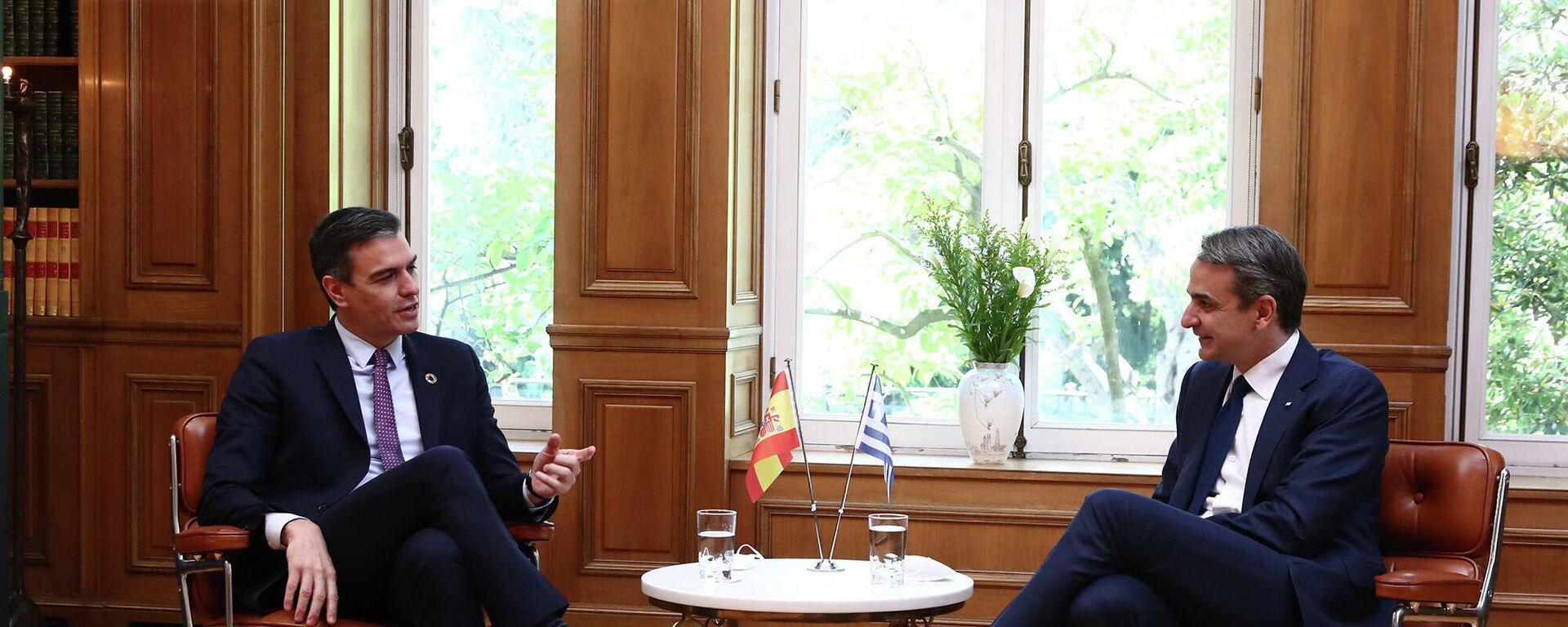 El presidente del Gobierno, Pedro Sánchez, se reúne con el primer ministro de Grecia, Kyriakos Mitsotakis. - Sputnik Mundo, 1920, 10.05.2021