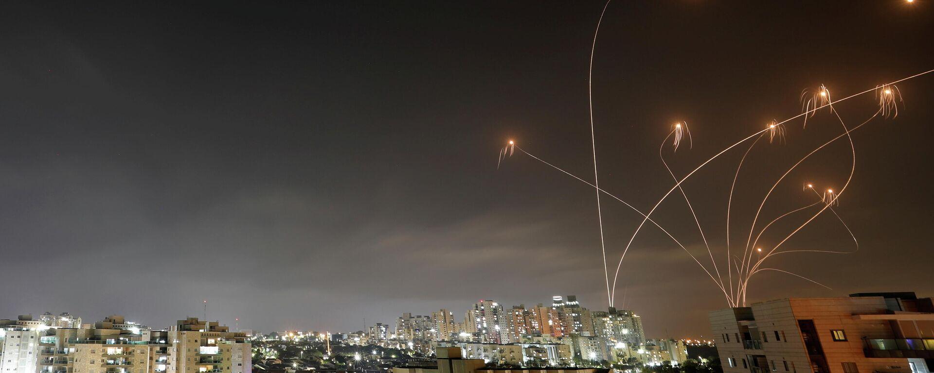 La Cúpula de Hierro israelí intercepta misiles lanzados desde Gaza - Sputnik Mundo, 1920, 10.05.2021