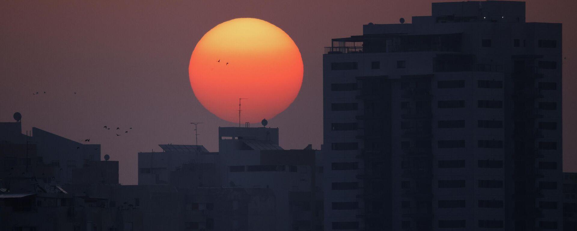 El amanecer en la frontera entre Israel y Franja de Gaza - Sputnik Mundo, 1920, 11.05.2021