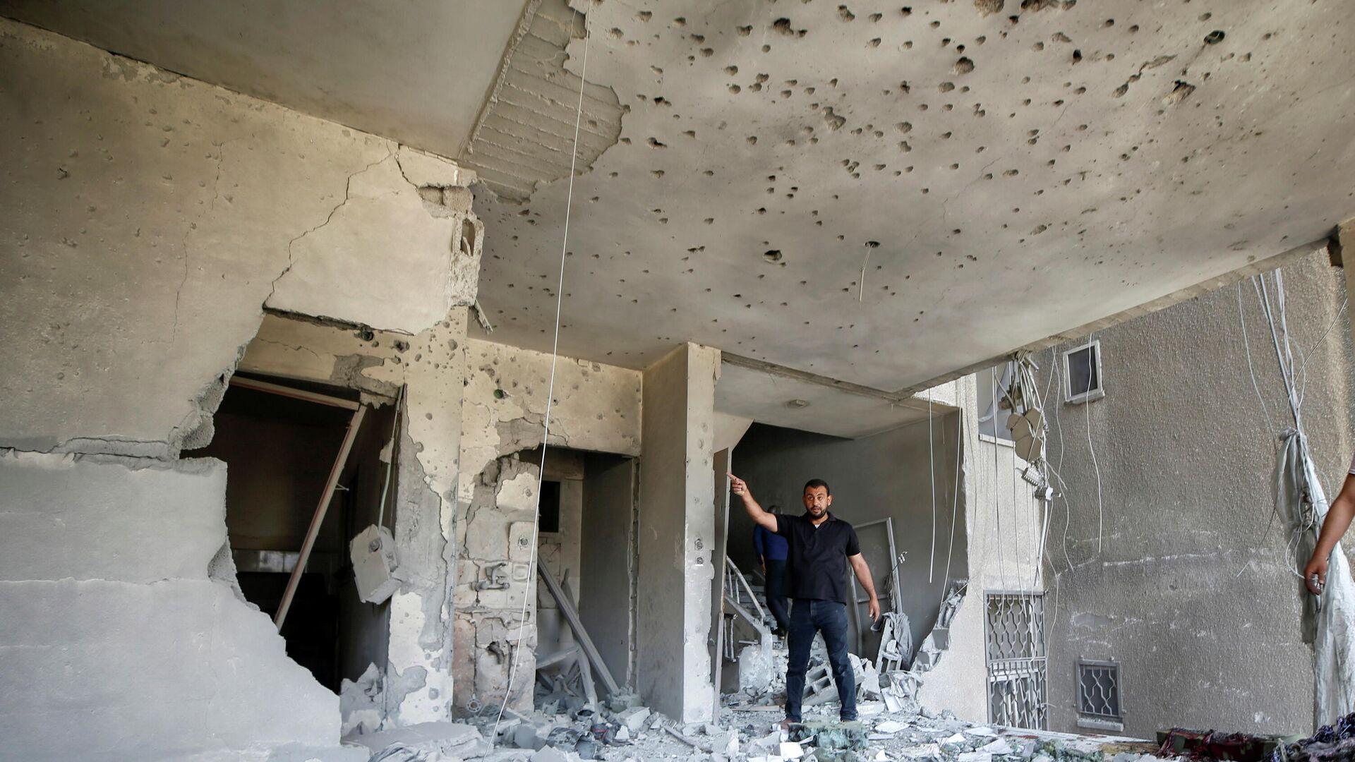 Destrucciones por un ataque aéreo en Gaza - Sputnik Mundo, 1920, 11.05.2021
