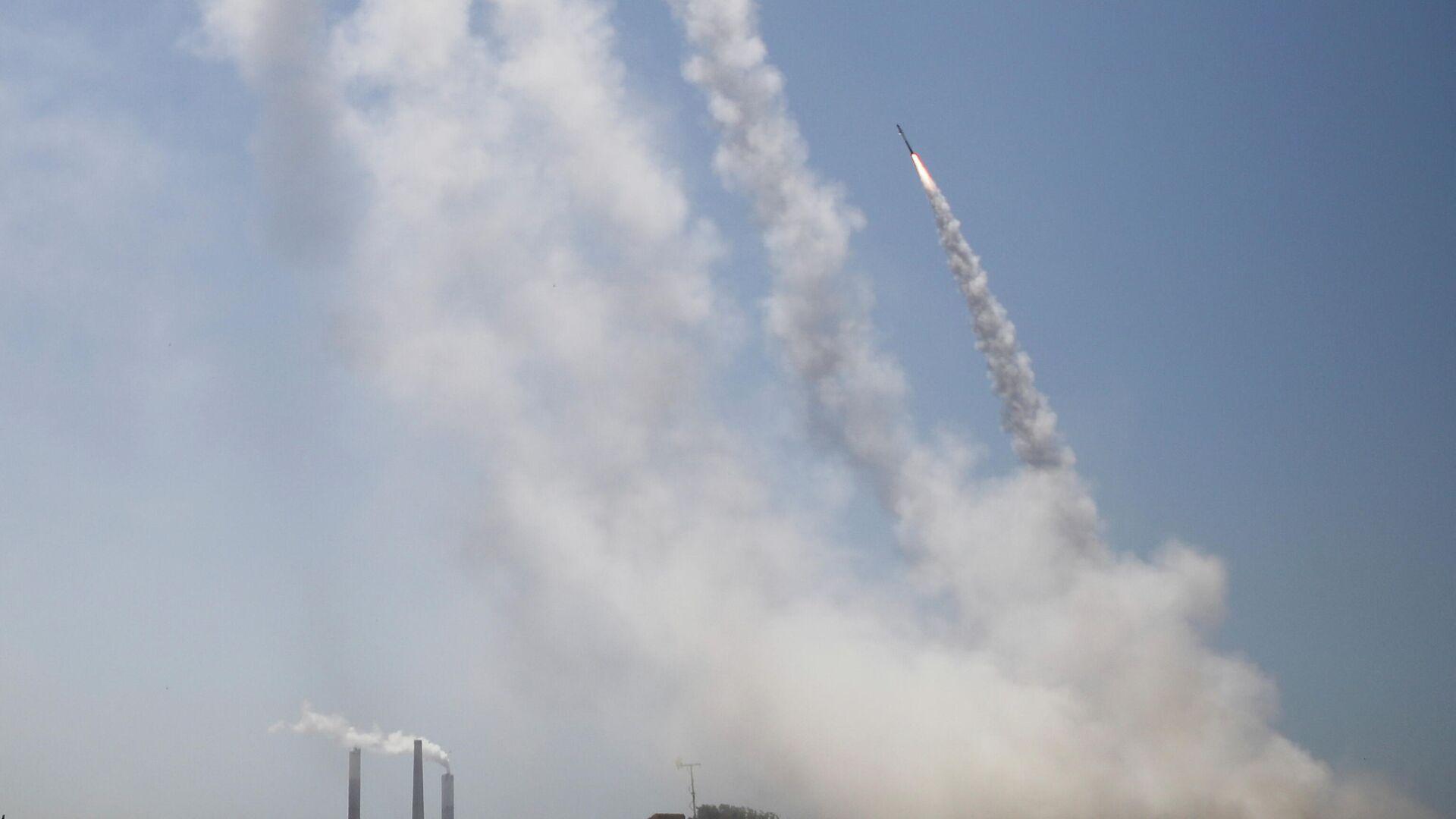 La Cúpula de Hierro israelí intercepta misiles lanzados desde Gaza - Sputnik Mundo, 1920, 11.05.2021