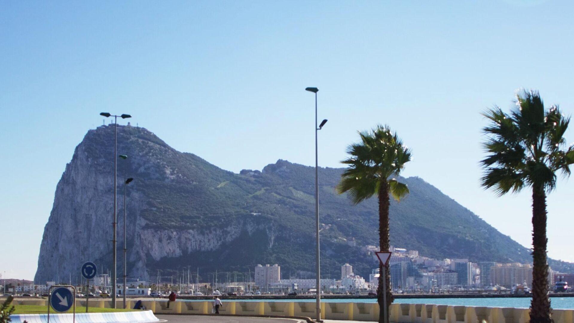 Vista del peñón de Gibraltar desde La Línea de la Concepción - Sputnik Mundo, 1920, 11.05.2021