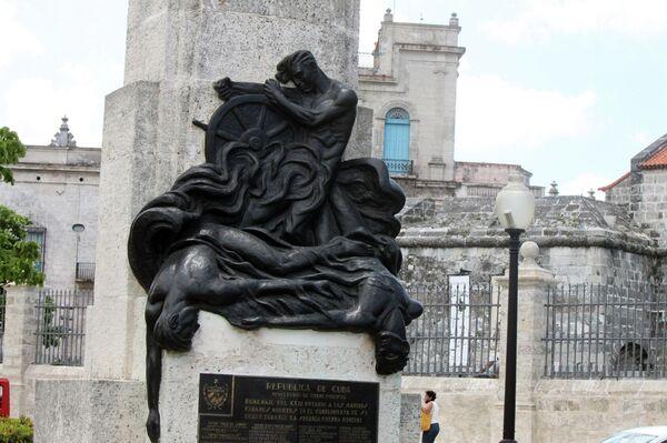 Estatua a la memoria de marinos cubanos muertos durante II Guerra Mundial - Sputnik Mundo