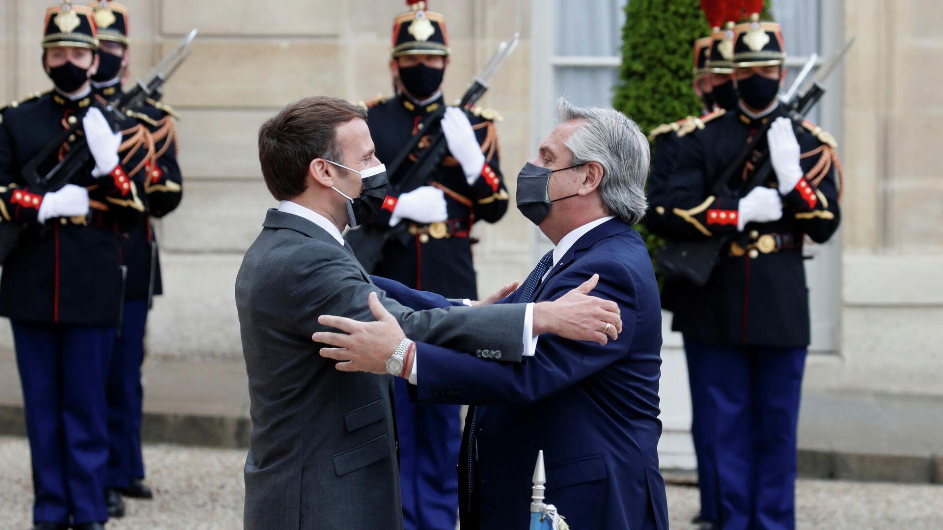 El presidente de Francia, Emmanuel Macron, y el presidente argentino, Alberto Fernández - Sputnik Mundo, 1920, 12.05.2021