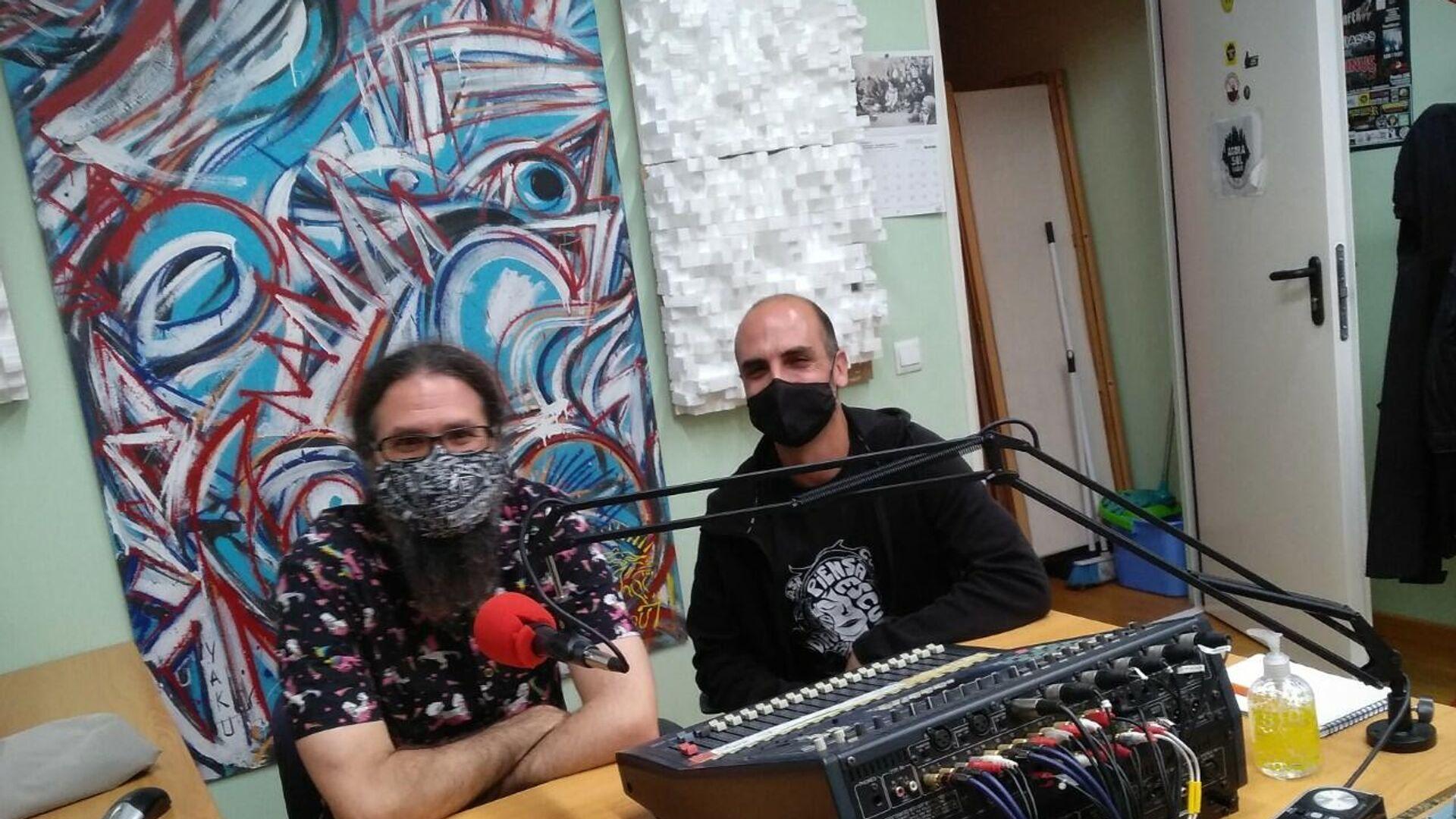 Juanfran y Jarri, participantes del 15-M y miembros de Ágora Sol Radio - Sputnik Mundo, 1920, 13.05.2021