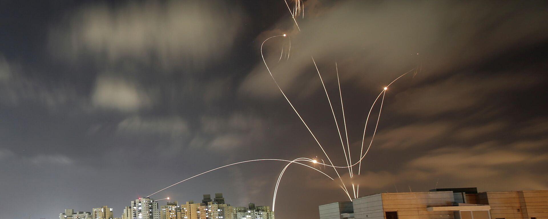 La Cúpula de Hierro israelí intercepta misiles lanzados desde Gaza - Sputnik Mundo, 1920, 28.05.2021
