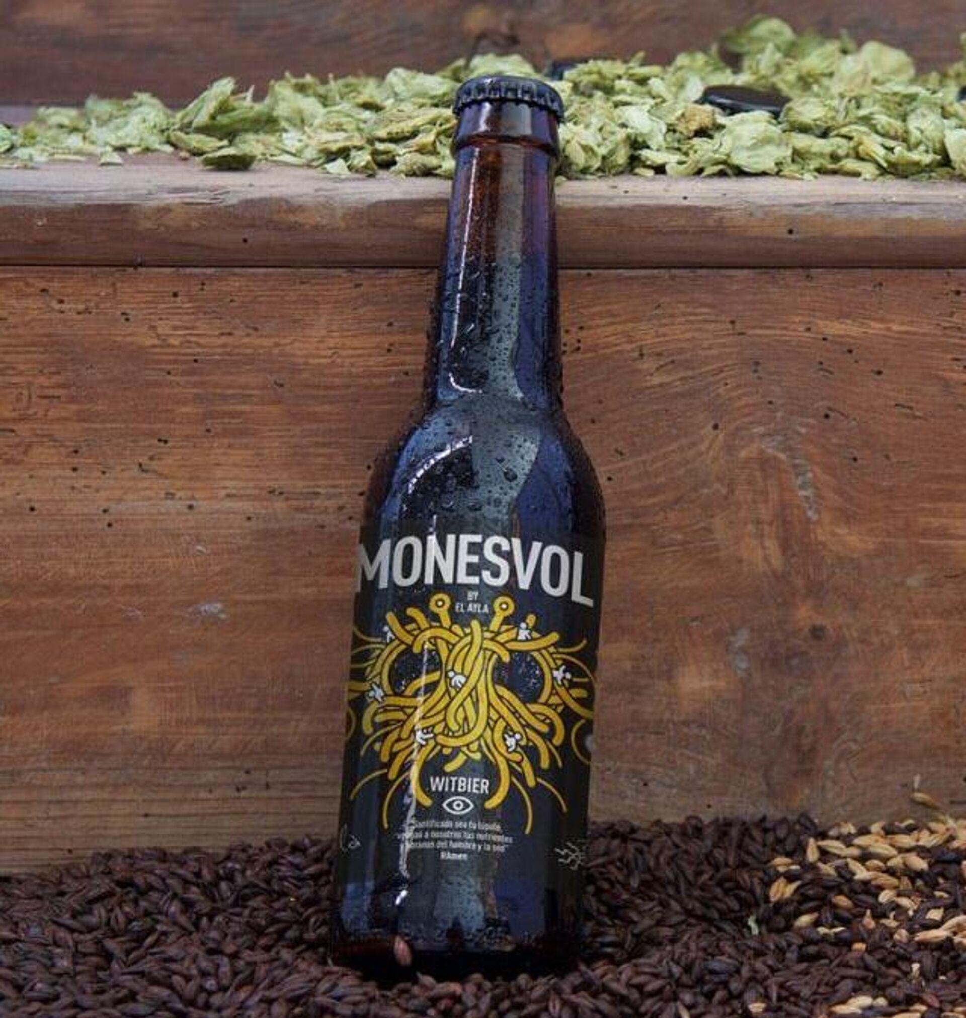 Una botella de cerveza Monesvol, la oficial del pastafarismo en España - Sputnik Mundo, 1920, 13.05.2021