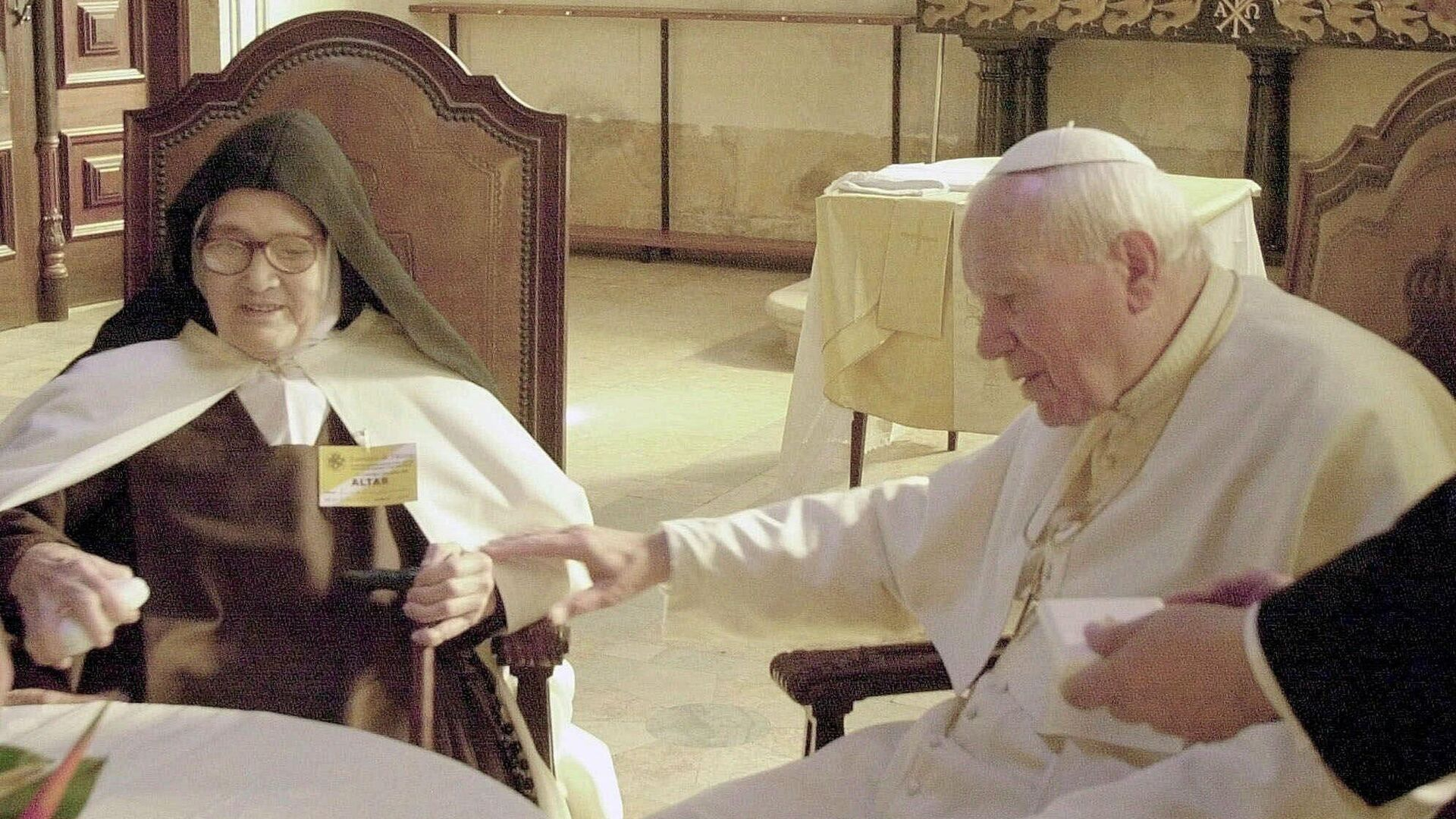 Lucia dos Santos junto al papa Juan Pablo II en 2000 - Sputnik Mundo, 1920, 13.05.2021