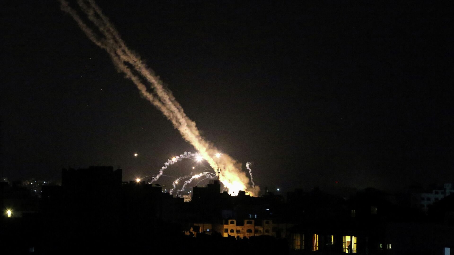 Cohetes lanzados a Israel desde Gaza - Sputnik Mundo, 1920, 14.05.2021