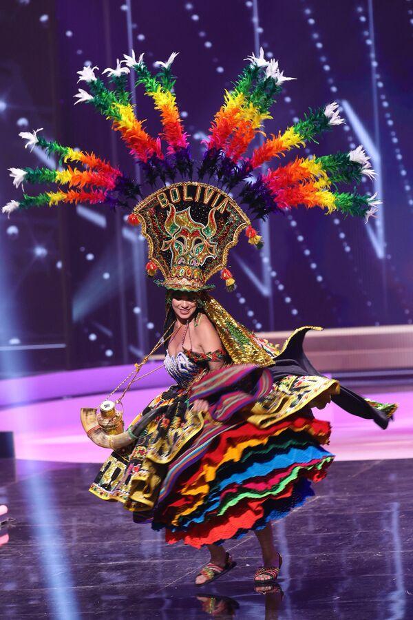 En 1960, el concurso se celebró por primera vez en Florida en lugar de en California. En la foto: Miss Bolivia, Lenka Nemer. - Sputnik Mundo