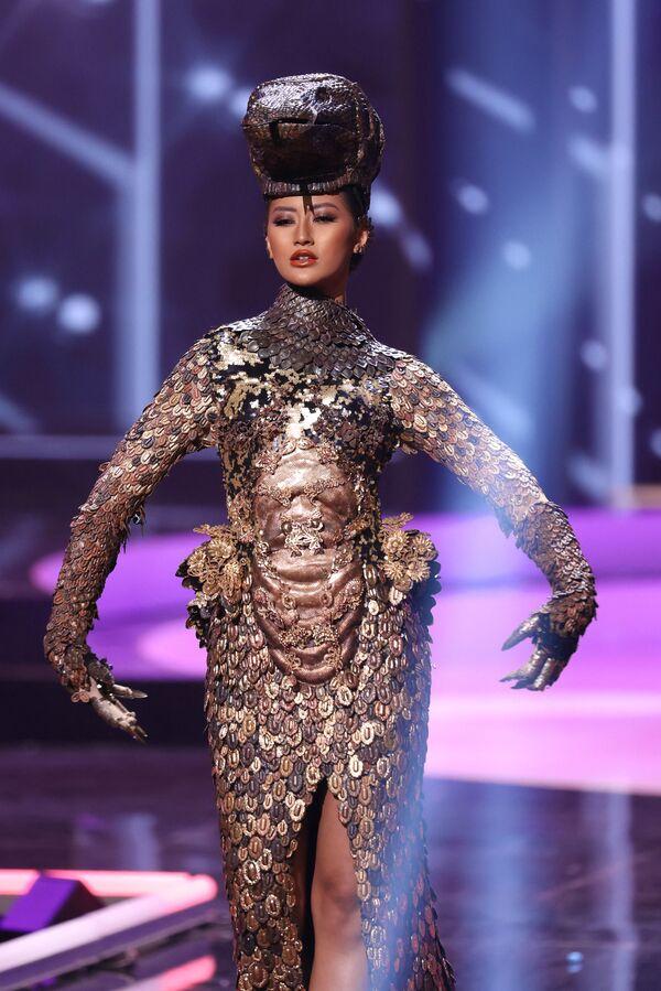 A partir de 1972, el concurso se celebra en distintos países del mundo. En la foto: Miss Indonesia, Ayu Maulida Putri. - Sputnik Mundo
