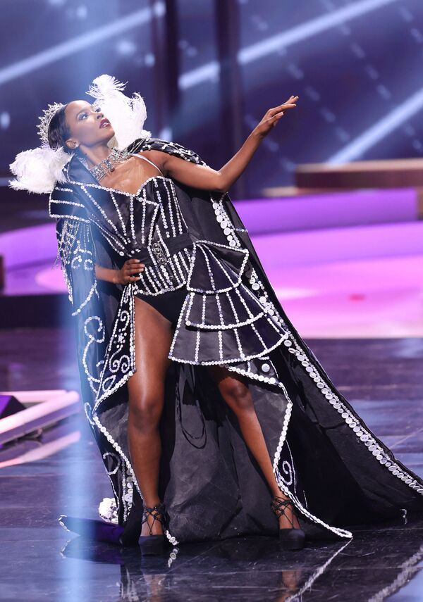 Miss Reino Unido, Jeanette Akua. - Sputnik Mundo