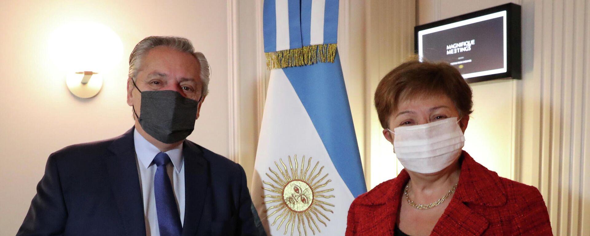 El presidente de Argentina, Alberto Fernández, y la directora gerente del FMI, Kristalina Georgieva - Sputnik Mundo, 1920, 14.05.2021