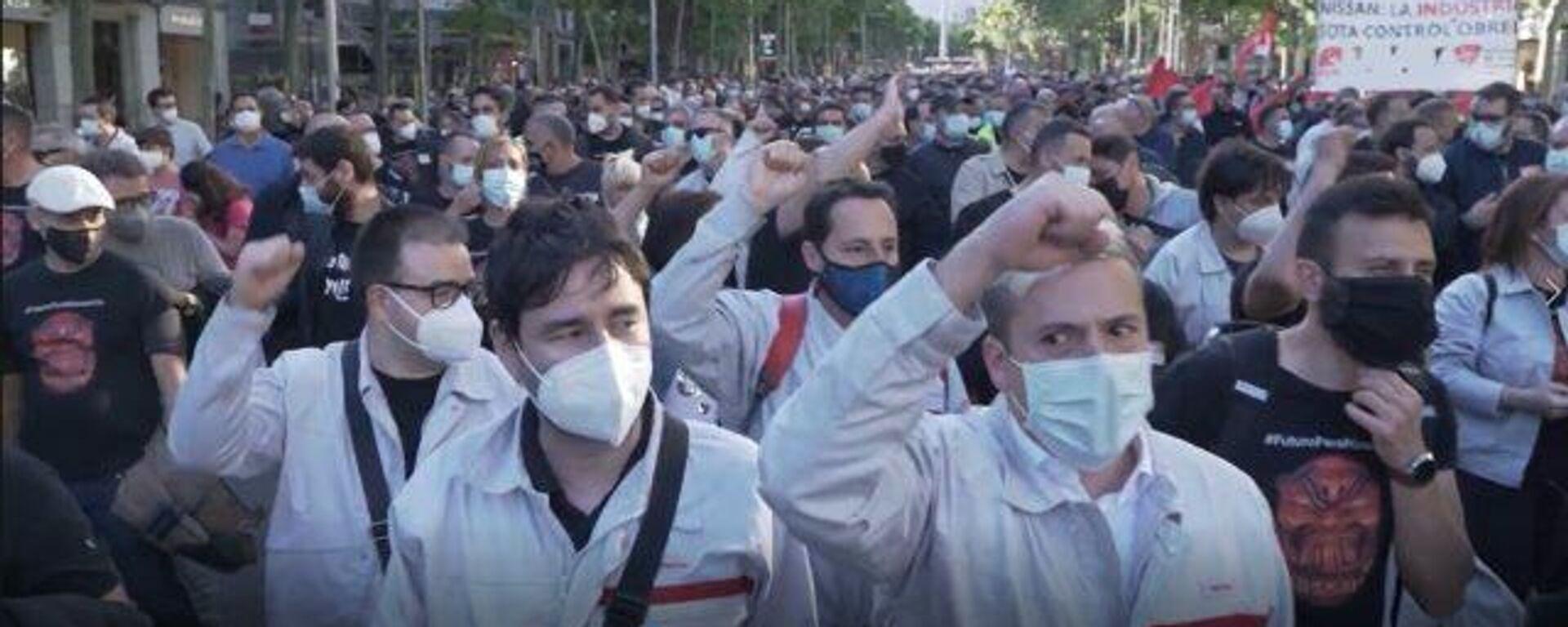 Cientos de empleados de Nissan protestan contra el cierre de las plantas de la compañía - Sputnik Mundo, 1920, 14.05.2021