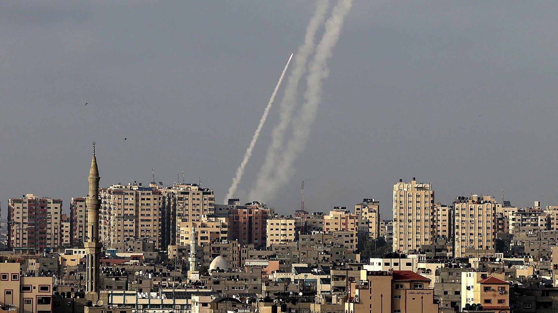 Cohetes lanzados desde la Franja de Gaza - Sputnik Mundo, 1920, 15.05.2021