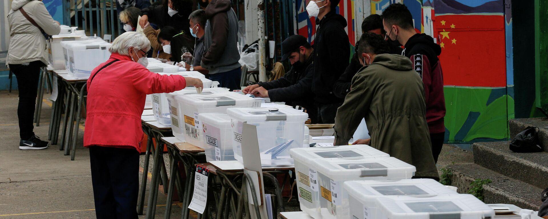 Votación en Chile - Sputnik Mundo, 1920, 18.05.2021