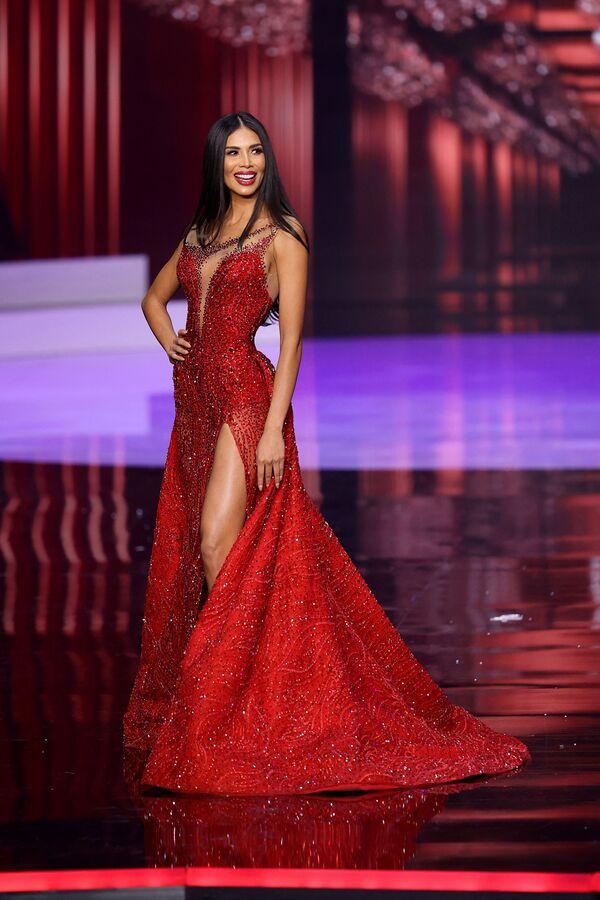 La participante de Costa Rica Ivonne Cerdas Cascante desfila en traje de gala en el concurso Miss Universo 2021. - Sputnik Mundo