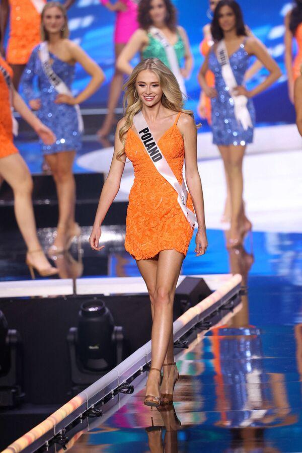 La polaca Natalia Pigua durante el concurso de belleza Miss Universo 2021 en EEUU. - Sputnik Mundo