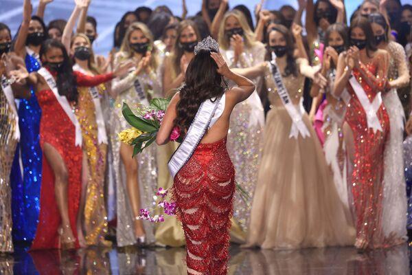 Andrea Meza se convirtió en la tercera representante de México en ganar el título de Miss Universo.Sus compatriotas lo habían ganado en 1991 y 2010. - Sputnik Mundo