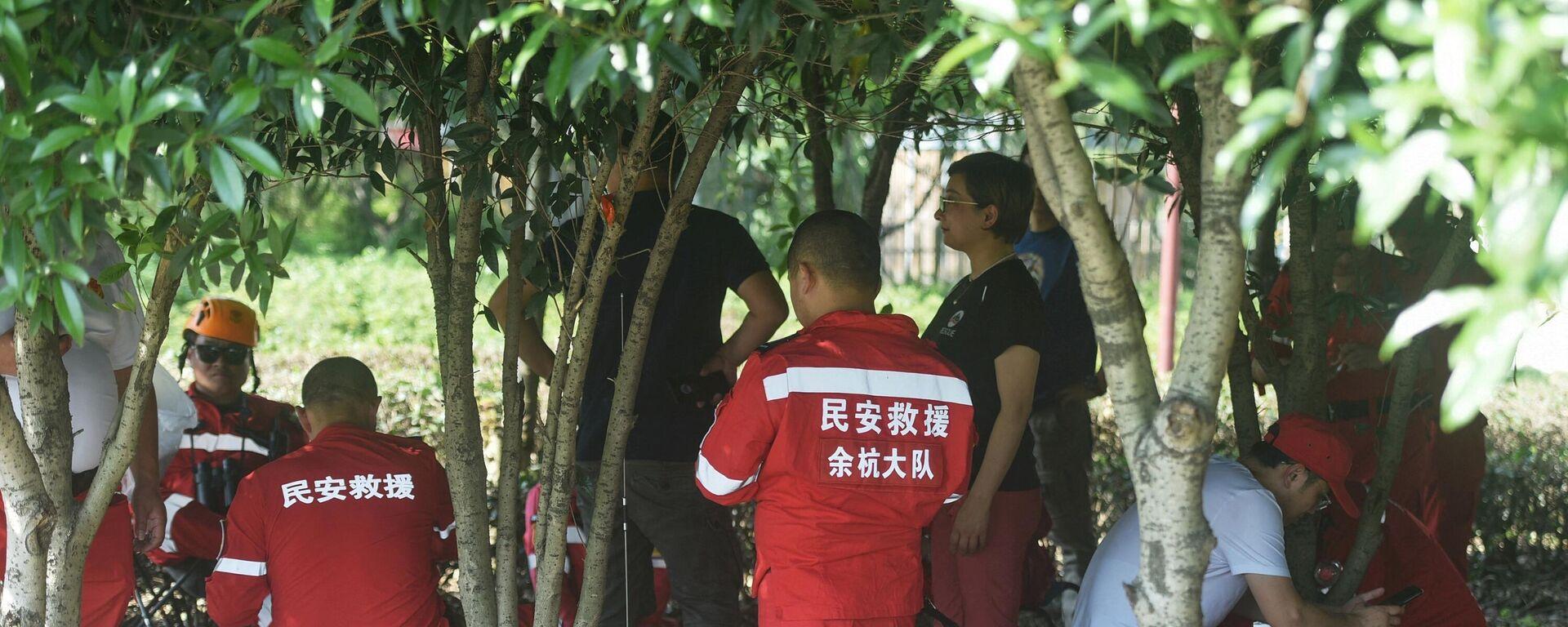 Unos rescatistas buscan leopardos que escaparon de un zoológico en Hangzhou, China - Sputnik Mundo, 1920, 17.05.2021