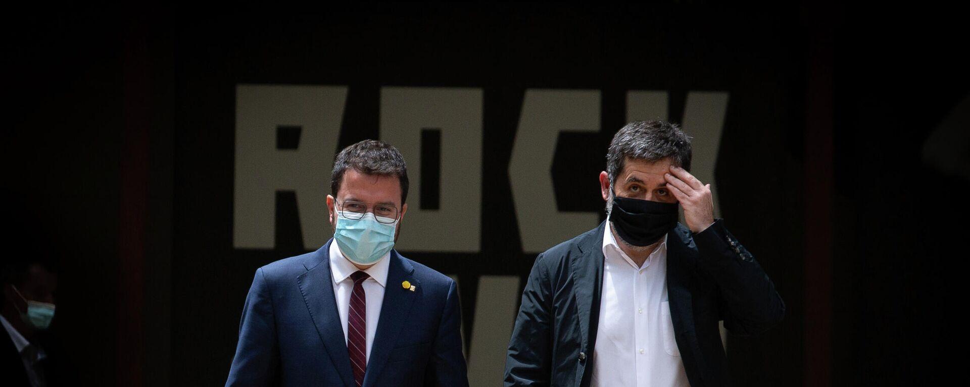 el dirigente de ERC y vicepresidente catalán, Pere Aragonès, y el secretario general de Junts, Jordi Sànchez - Sputnik Mundo, 1920, 17.05.2021
