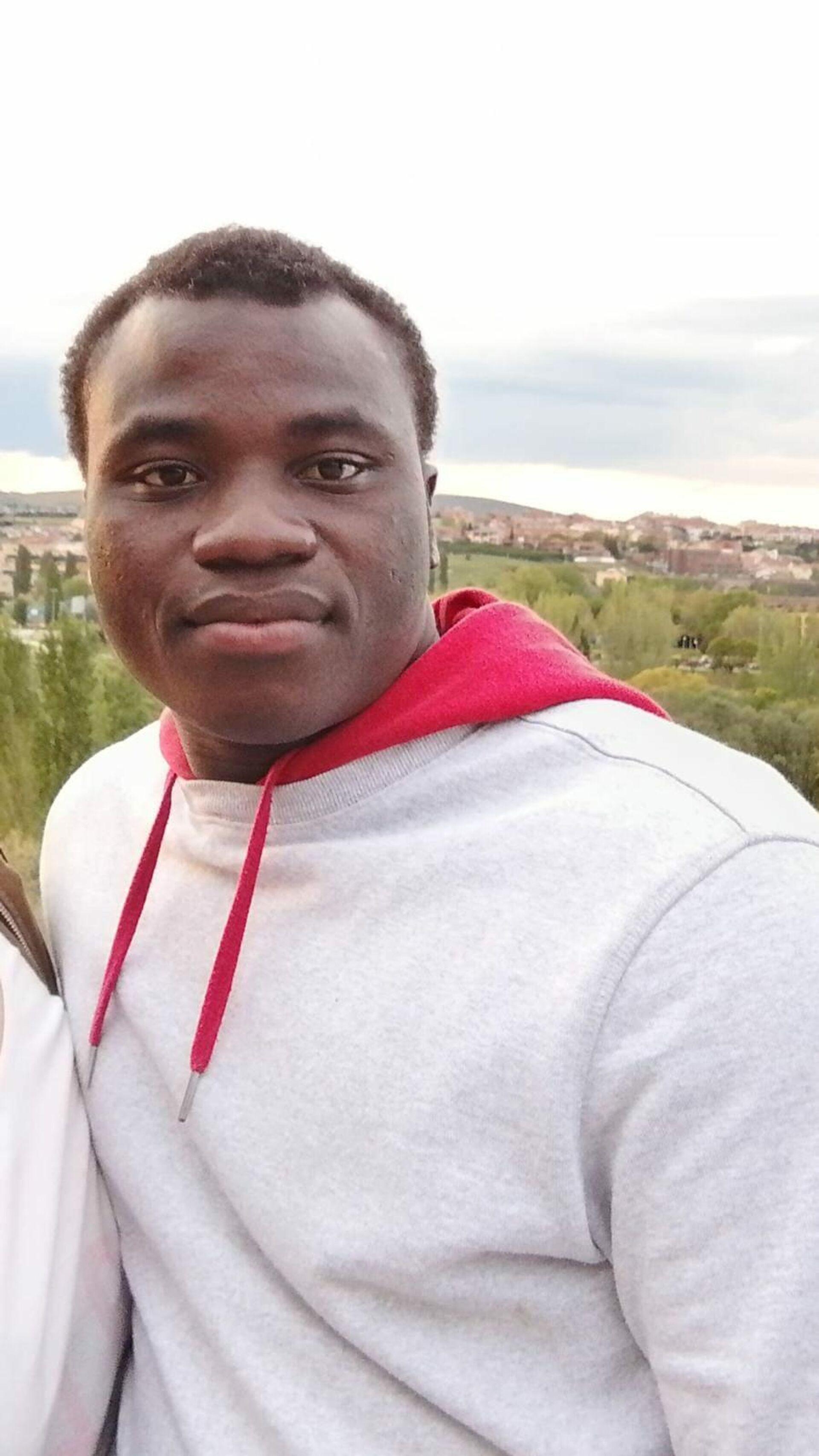 Alime Adjifile es de Ghana y tiene 20 años. Llegó a España siendo menor de edad - Sputnik Mundo, 1920, 20.05.2021
