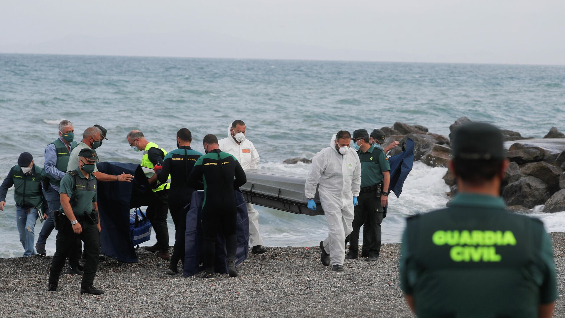 La Guardia Civil encuentra el cadáver de una persona en la playa del Tarajal, en Ceuta - Sputnik Mundo, 1920, 20.05.2021