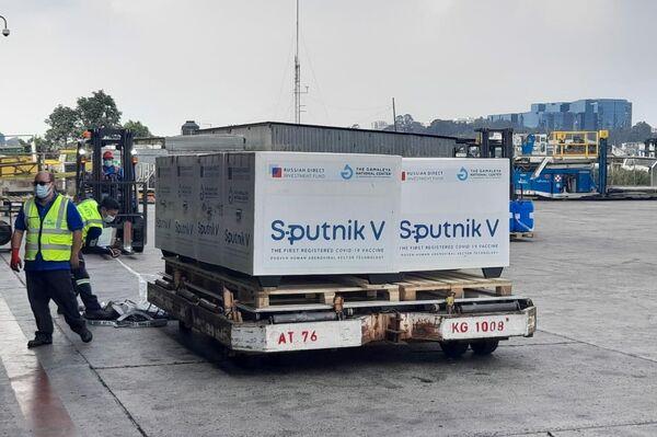 Llegada del cargamento de Sputnik V a Guatemala - Sputnik Mundo