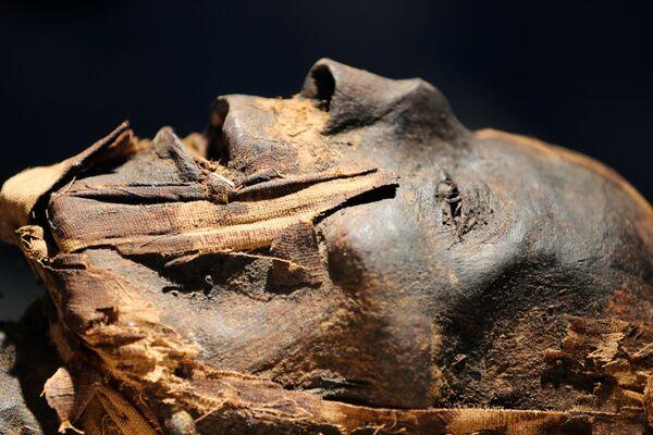 Una de las momias del museo recién inaugurado en el Aeropuerto Internacional de El Cairo (Egipto).  - Sputnik Mundo