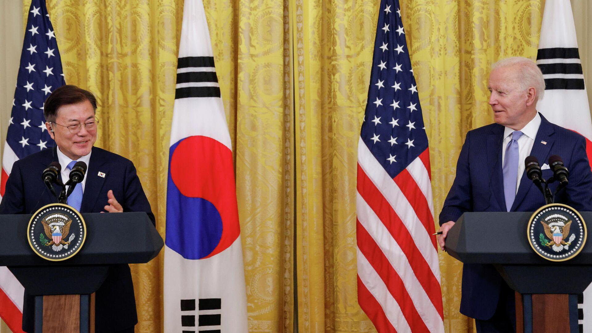 La cumbre de los presidentes de Corea del Sur y Estados Unidos, Moon Jae-in y Joe Biden - Sputnik Mundo, 1920, 24.05.2021